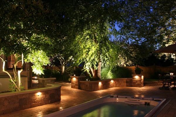 Ландшафтное освещение и озвучивание